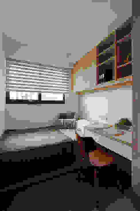 Industrial style bedroom by 御見設計企業有限公司 Industrial