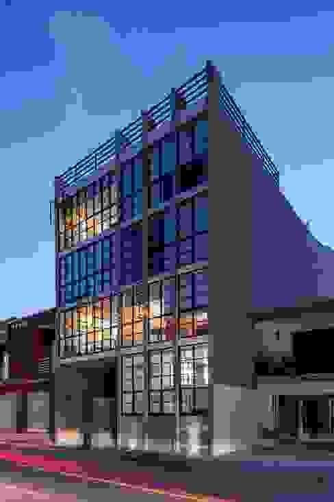 nuove lofts de Daniel Cota Arquitectura | Despacho de arquitectos | Cancún Moderno Vidrio