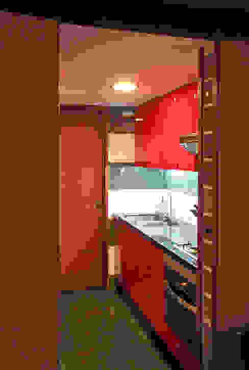 Casa Pazols: Muebles de cocinas de estilo  por m2 estudio arquitectos - Santiago