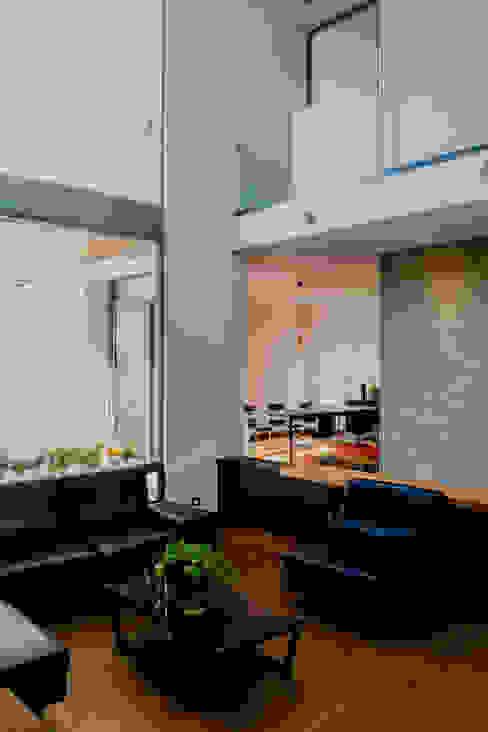 SALA Salas de estilo moderno de GRUPO VOLTA Moderno Concreto