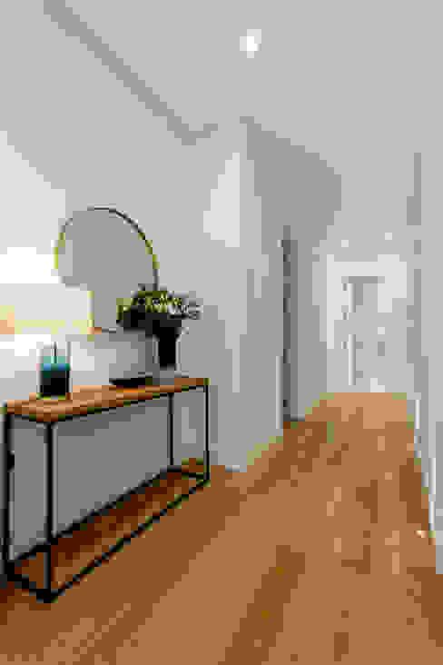 Corredor por Hoost - Home Staging Moderno