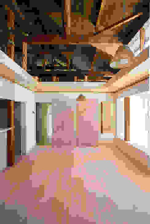 House NI 1-1 Architects 一級建築士事務所 オリジナルデザインの リビング