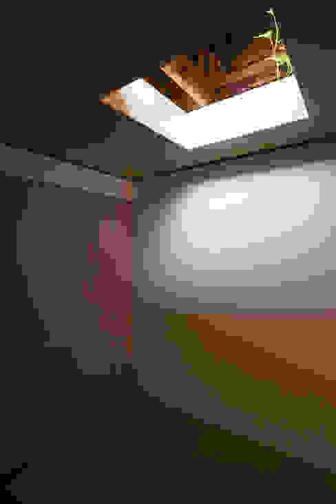 House NI 1-1 Architects 一級建築士事務所 オリジナルデザインの 多目的室