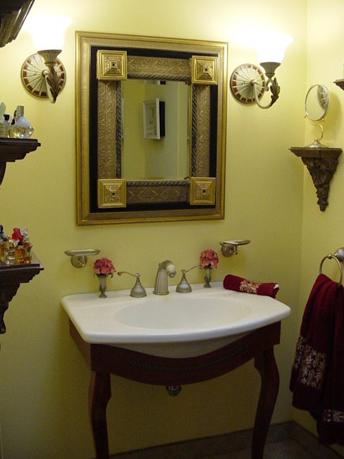 ct arquitectos Classic style bathroom Wood-Plastic Composite Yellow