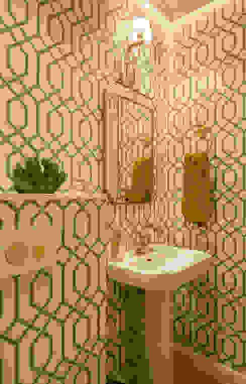 Classic style bathroom by Sube Susaeta Interiorismo Classic