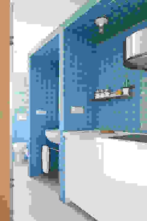 pia Modern bathroom