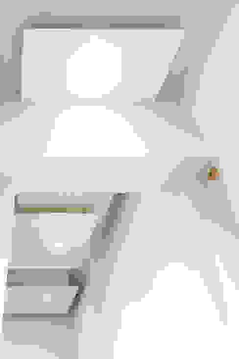 Corridoio Ingresso, Corridoio & Scale in stile minimalista di Luca Bucciantini Architettura d' interni Minimalista