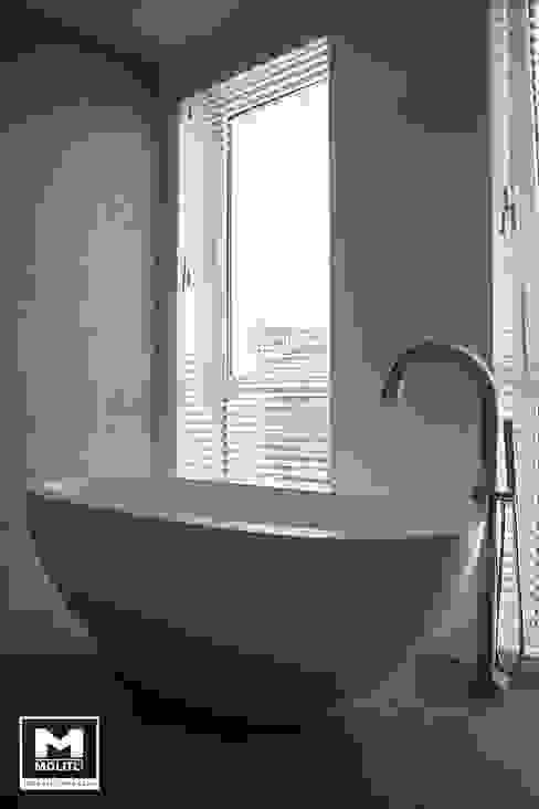 Badkamer:  Badkamer door Molitli Interieurmakers,