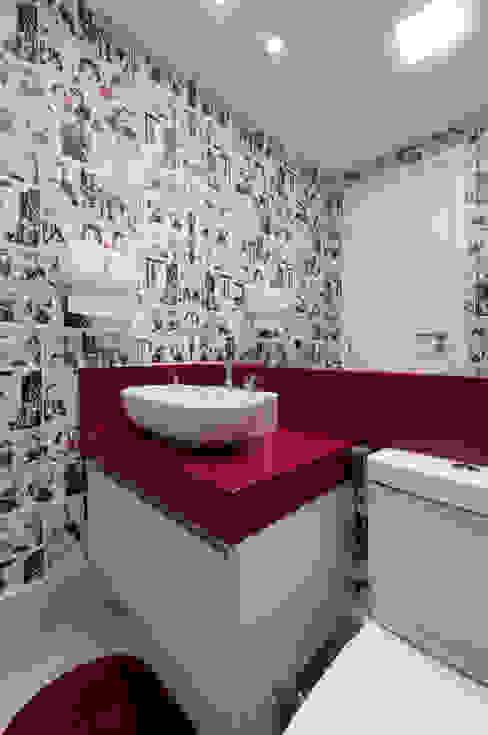 Lavabo - Escritório de publicidade Banheiros modernos por Bernal Projetos - Arquitetos em Salvador Moderno