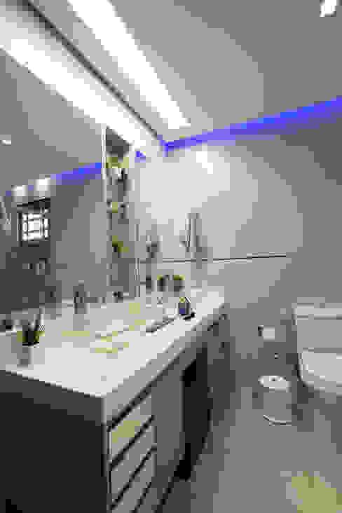 INOVA Arquitetura Modern bathroom