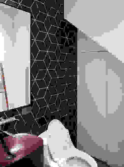 輕別墅宅 現代浴室設計點子、靈感&圖片 根據 WID建築室內設計事務所 Architecture & Interior Design 現代風