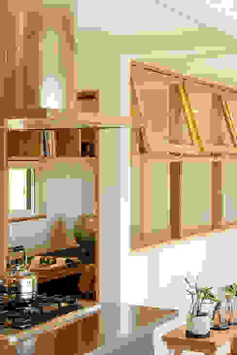 眺めと暮らす家: ELD INTERIOR PRODUCTSが手掛けた書斎です。