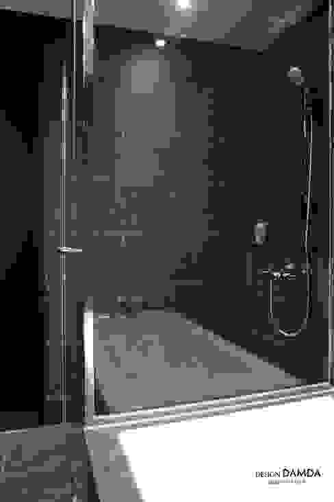 Salle de bains de style  par 디자인담다, Moderne