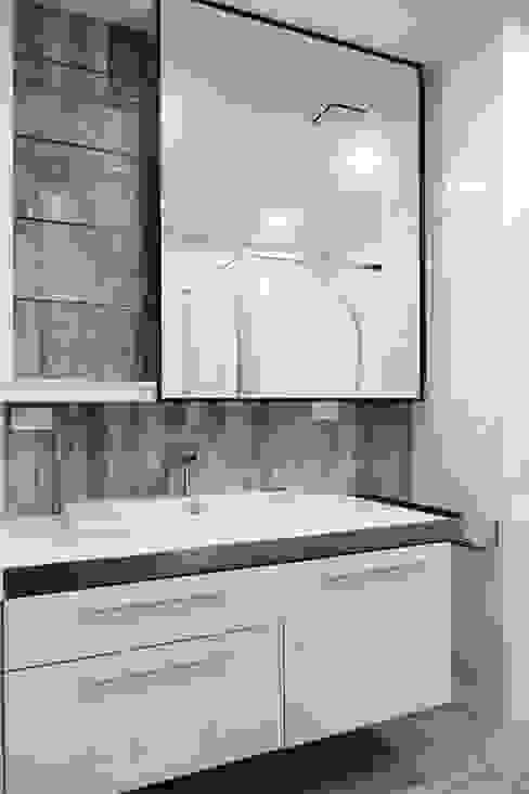 Moderne Badezimmer von houseda Modern Fliesen