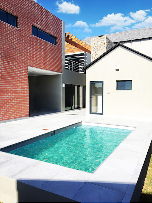 Swimming Pool:  Pool by TOP CENTRE PROPERTIES GROUP (PTY) LTD,