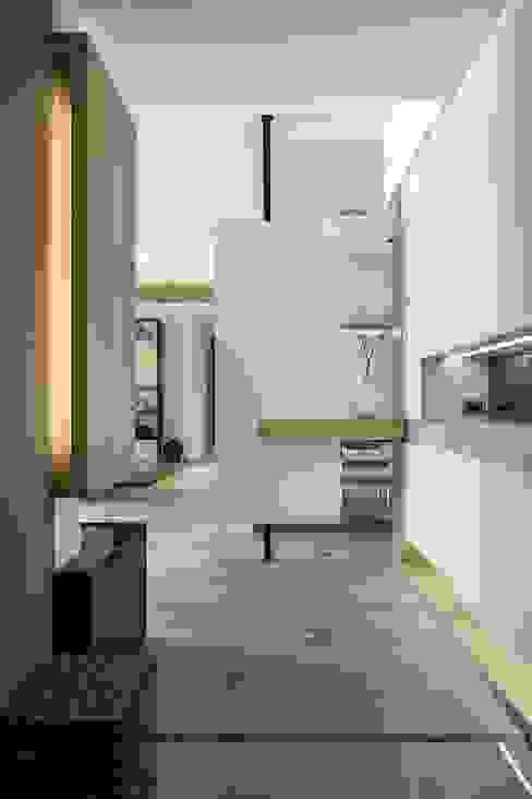 讀倚梧桐 斯堪的納維亞風格的走廊,走廊和樓梯 根據 詩賦室內設計 北歐風
