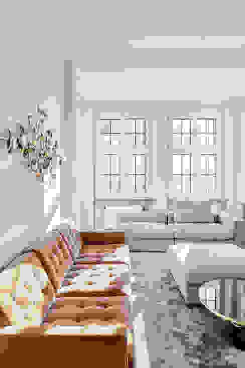 Wohnung in Jugendstilarchitektur studio1073 Moderne Wohnzimmer