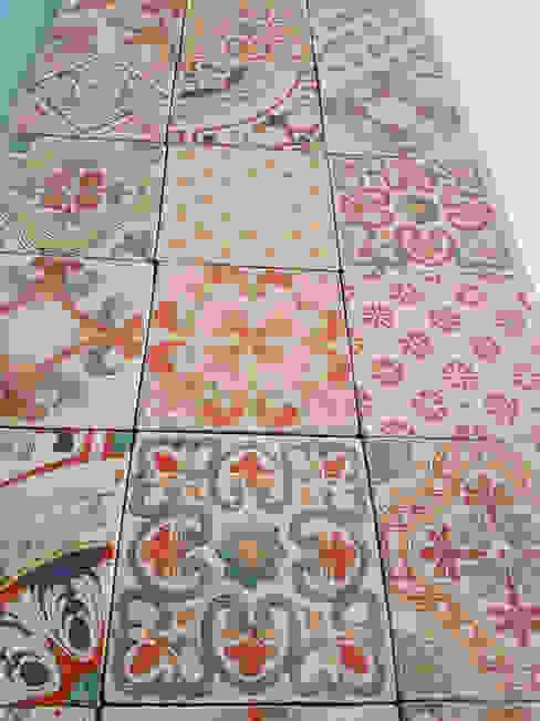 Piastrelle Di Ceramica Decorate.Piastrelle In Ceramica Decorate A Mano In Sicilia