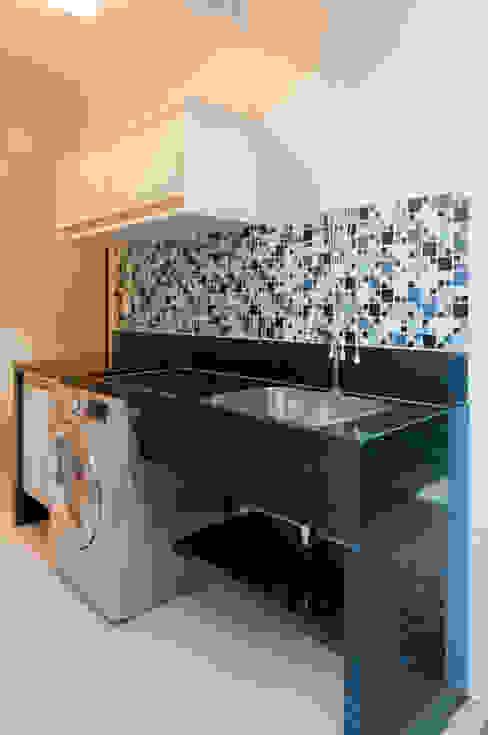Kitchen units by Bernal Projetos - Arquitetos em Salvador, Modern گرینائٹ