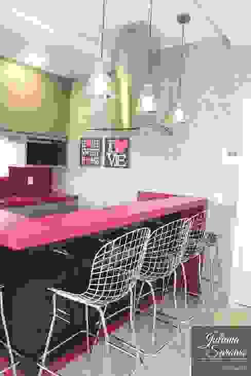 Modern kitchen by Juliana Saraiva Arquitetura & Interiores Modern MDF