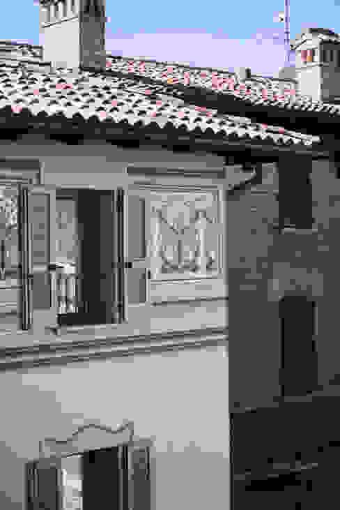 PARTICOLARE FACCIATA Studio Architettura Macchi Case classiche