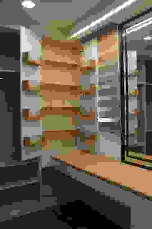 化妝桌及收納櫃 houseda Eclectic style dressing rooms MDF Wood effect