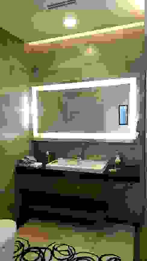 主臥浴室鏡櫃 houseda Eclectic style bathrooms Plywood Wood effect