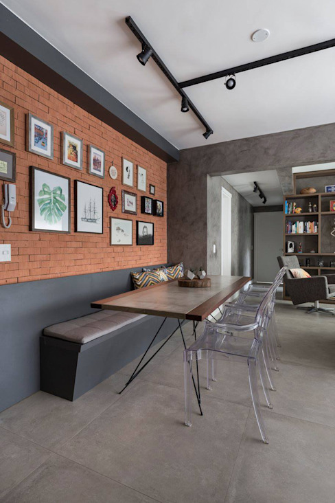 Mesa de jantar Salas de jantar rústicas por Rabisco Arquitetura Rústico Tijolo