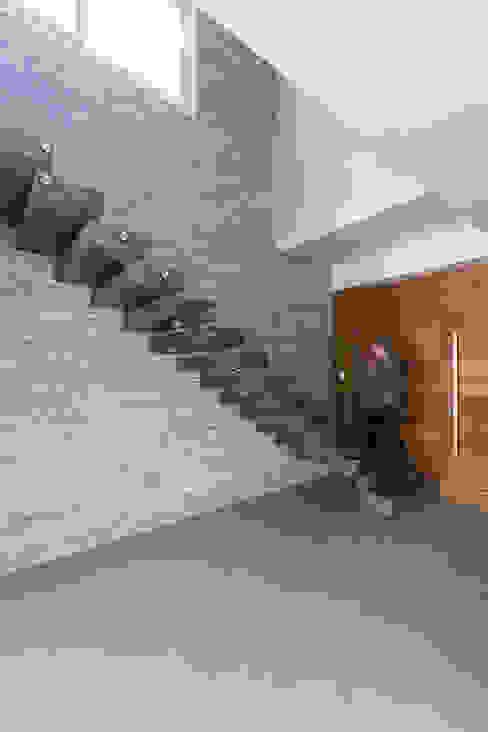 Escada por Rabisco Arquitetura Moderno Granito