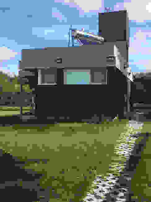 Casa Caleta 1: Casas ecológicas de estilo  por JeremíasMartínezArquitecto,