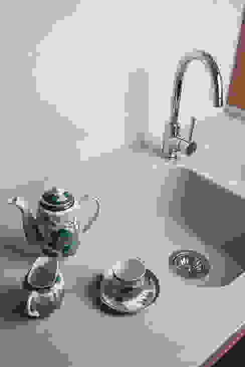 Dettaglio manuarino architettura design comunicazione Cucina attrezzata Legno Beige