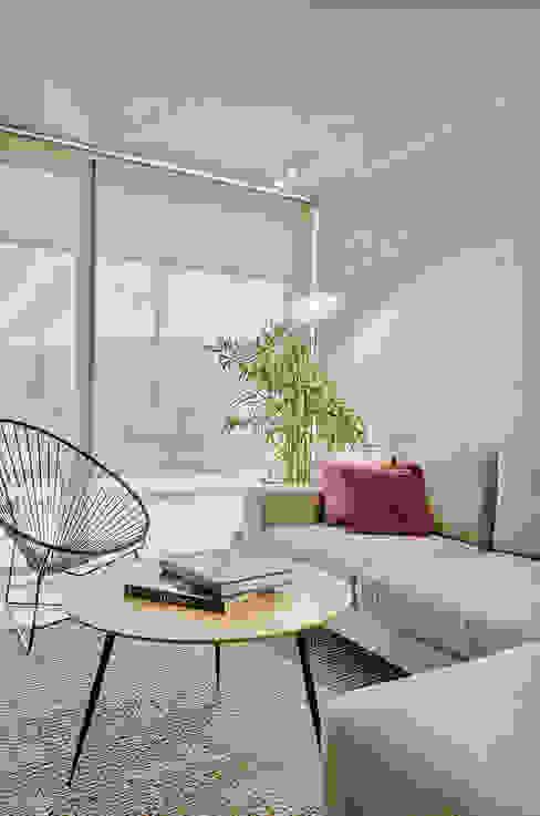 Sala de estar Salas multimedia de estilo escandinavo de Klover Escandinavo