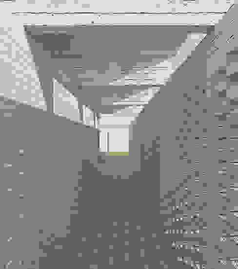 Galería de acceso mutarestudio Arquitectura Pasillos, halls y escaleras rurales