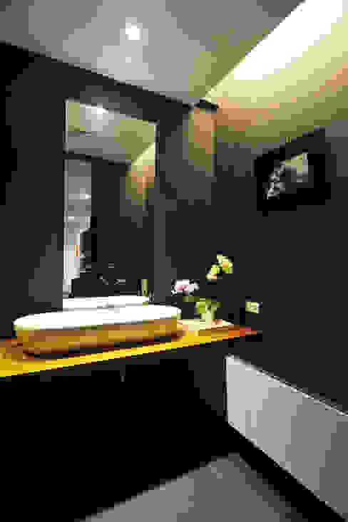 室內設計 怡和 YC House 根據 黃耀德建築師事務所 Adermark Design Studio 簡約風
