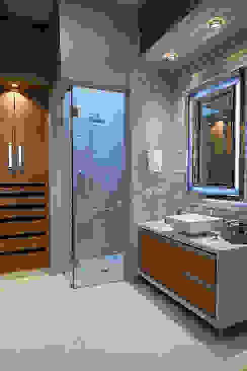 baño niño Baños modernos de arketipo-taller de arquitectura Moderno