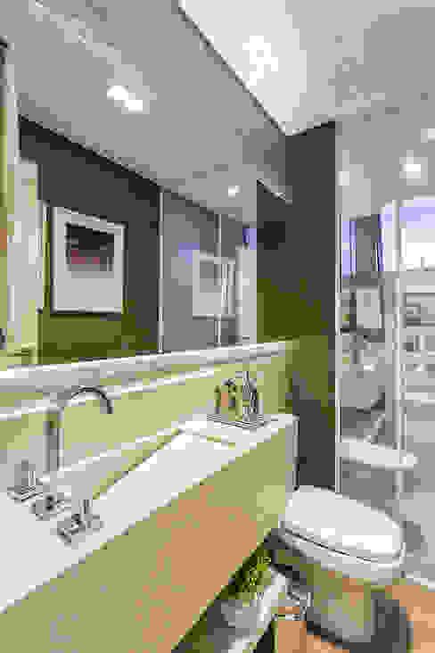 Juliana Agner Arquitetura e Interiores BathroomSinks Marble White