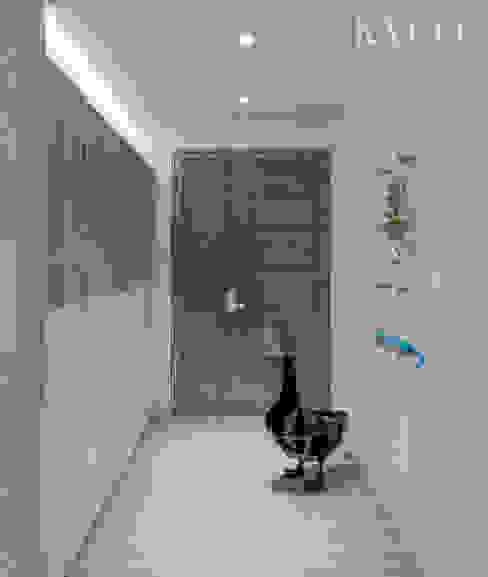 浮光LOFT 現代風玄關、走廊與階梯 根據 芮晟設計事務所 現代風 塑木複合材料