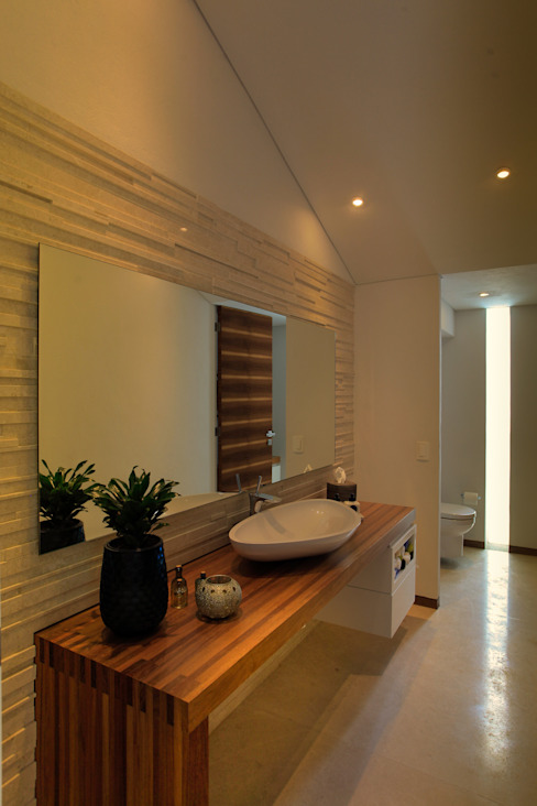 Bathroom by Hernandez Silva Arquitectos,