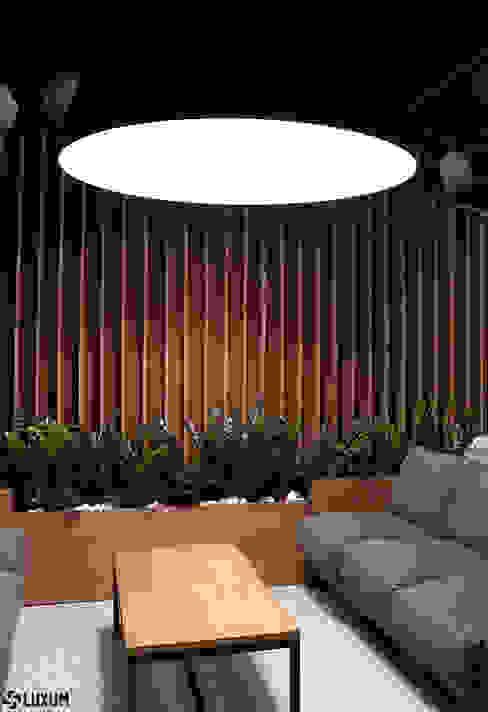 HAUSDER - drewno w nowoczesnym wydaniu Luxum Nowoczesny salon