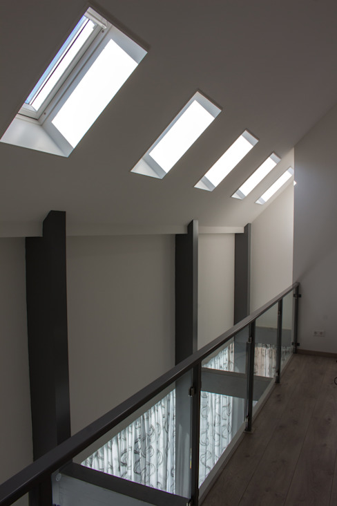 Corridor & hallway by Nico Dekker Ontwerp & Bouwkunde, Modern