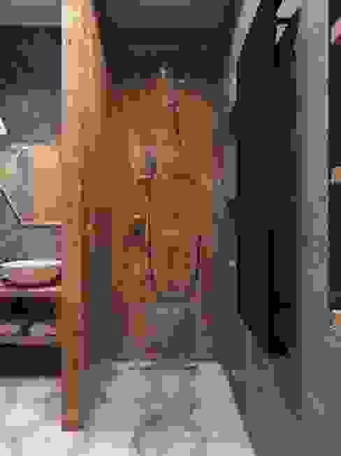 Scandinavian style bathroom by Дизайн интерьера Киев|tishchenko.com.ua Scandinavian