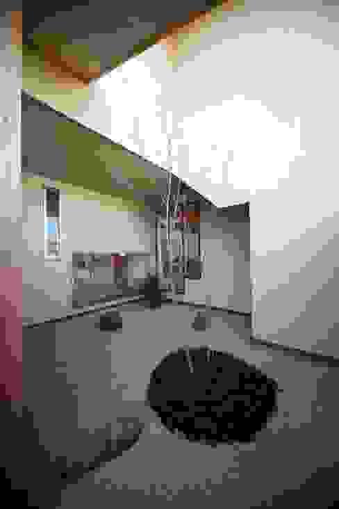 Jardines zen de estilo  por 株式会社高野設計工房, Asiático