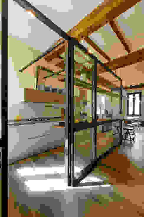 GTT COBE architetti Cucina in stile classico
