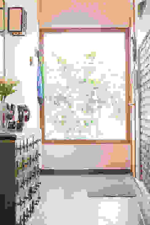 Remodelación de Casa Islas Fidji por Arqbau: Ventanas de madera de estilo  por Arqbau Ltda.