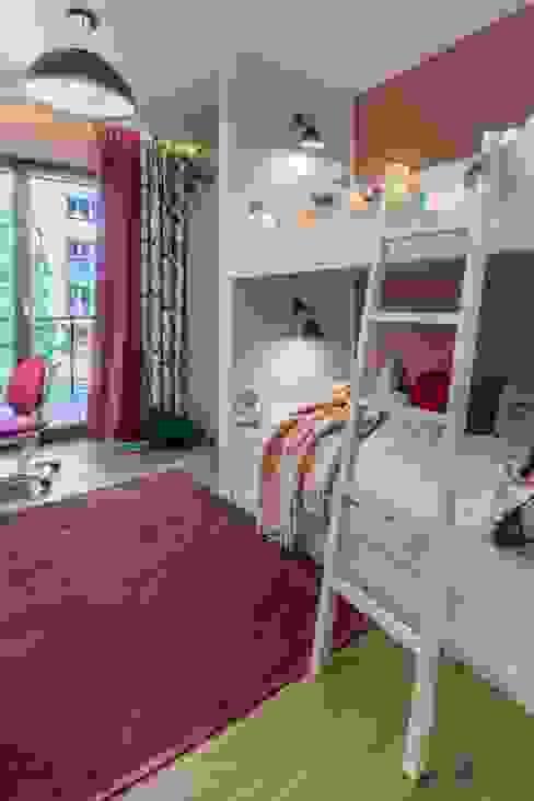 Zdjęcie pokoju córki Viva Design - projektowanie wnętrz Pokój dla dziwczynki Drewno Różowy