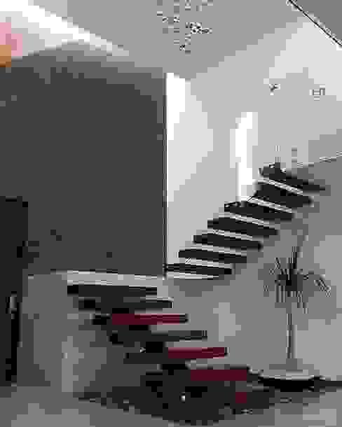 Escaleras de MI CONSTRUCCIÓN Moderno