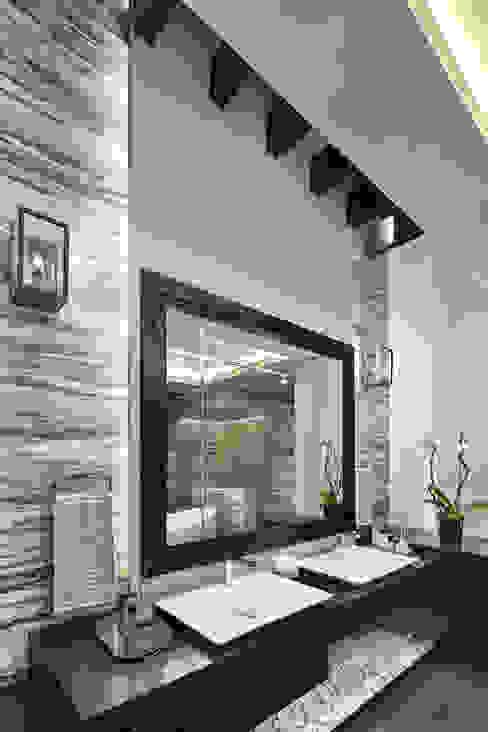 Baños modernos de homify Moderno Concreto