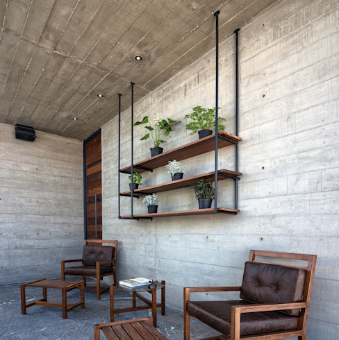 Modern balcony, veranda & terrace by Garzamaya Arquitectos Modern Concrete