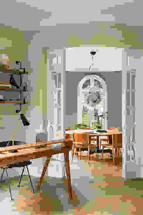 Столовые комнаты в . Автор – The Room Studio, Модерн