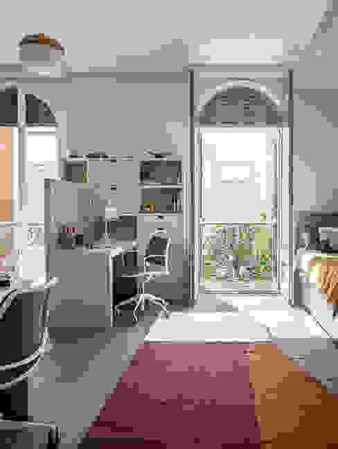 Спальни для мальчиков в . Автор – The Room Studio, Модерн